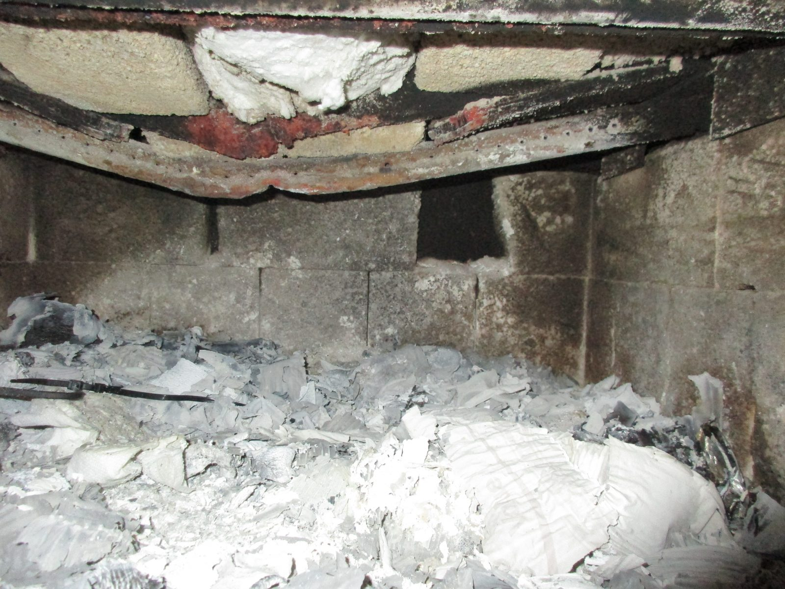 Wood Stove with damaged firebox - unit is non-compliant